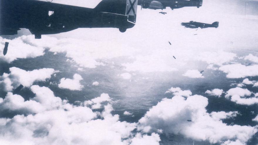 La Aviazione Legionaria que arrasó Barcelona bajo las órdenes directas de Mussolini