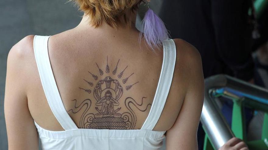 Birmania deporta a un turista español por tener un tatuaje de Buda en la pierna