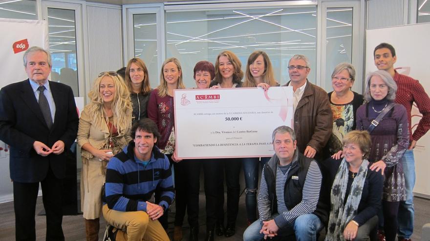 ACAMBI entrega a Biogune los 50.000 euros recaudados en la II Carrera Solidaria contra el cáncer de mama