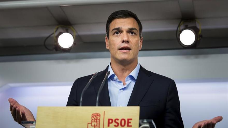 Sánchez recuerda a González que el no a Rajoy lo acordó todo el partido