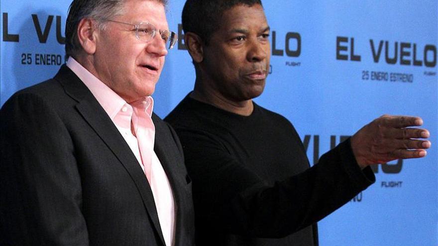 Denzel Washington dice que Obama quizá ya no sea tan optimista, pero conoce mejor el sistema