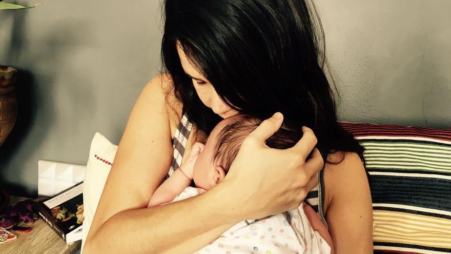 Raquel Suárez y su hijo / Foto cedida