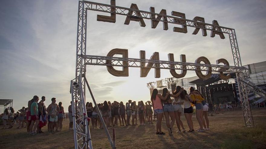 El Arenal supera el cambio de recinto con una respuesta masiva de público