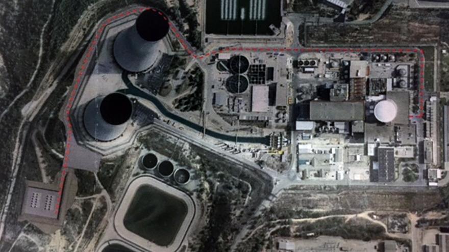 En rojo el recorrido de los camiones que trasladarán los residuos radioactivos hasta el ATI