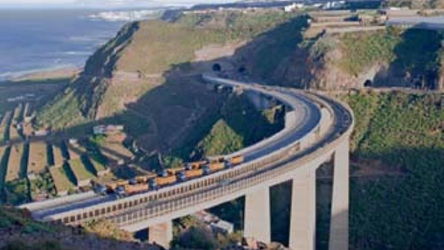 Prueba de carga sobre el nuevo viaducto de Silva