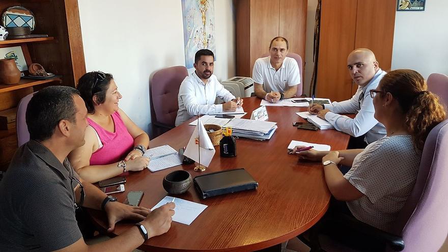 Reunión mantenida este martes en el Ayuntamiento de Fuencaliente.