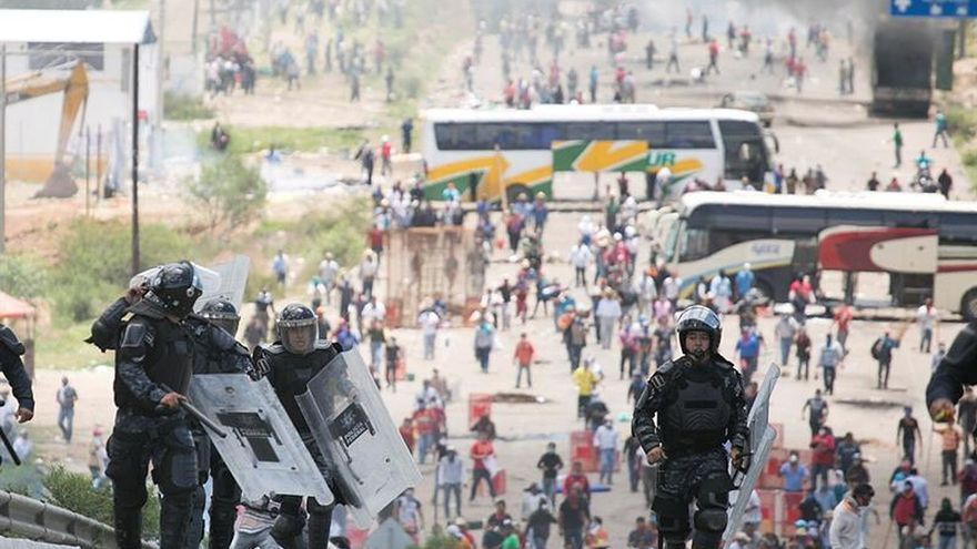 Asesinan a un periodista mientras cubría el conflicto de maestros en el sur de México
