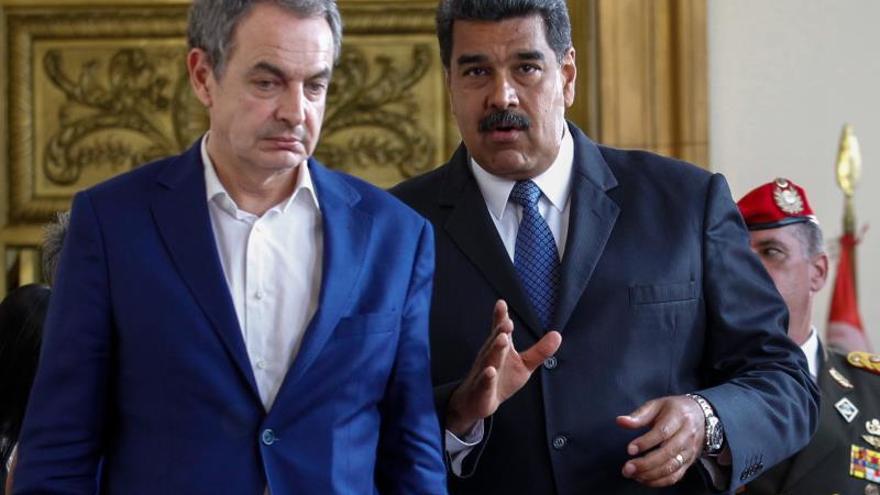 Zapatero se reúne por sorpresa con Maduro en Caracas