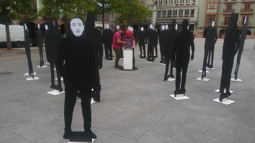 Performance 'Deconstrucción' de la Asociación Cultural Octubre.
