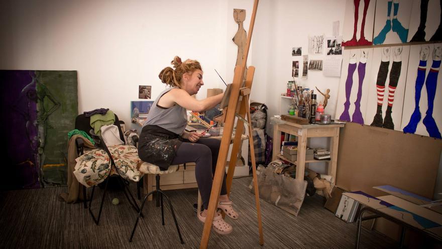 Anna Mezz en su estudio