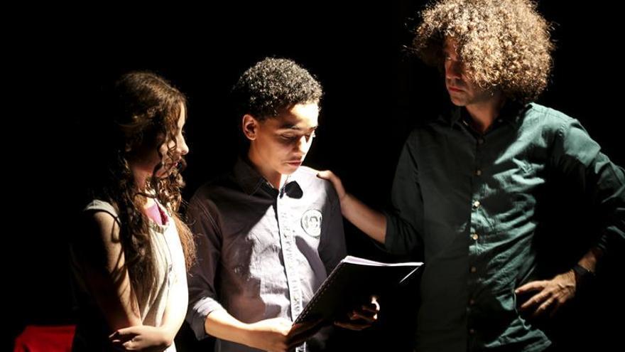 El drama de los refugiados sirios entra en la escena teatral egipcia