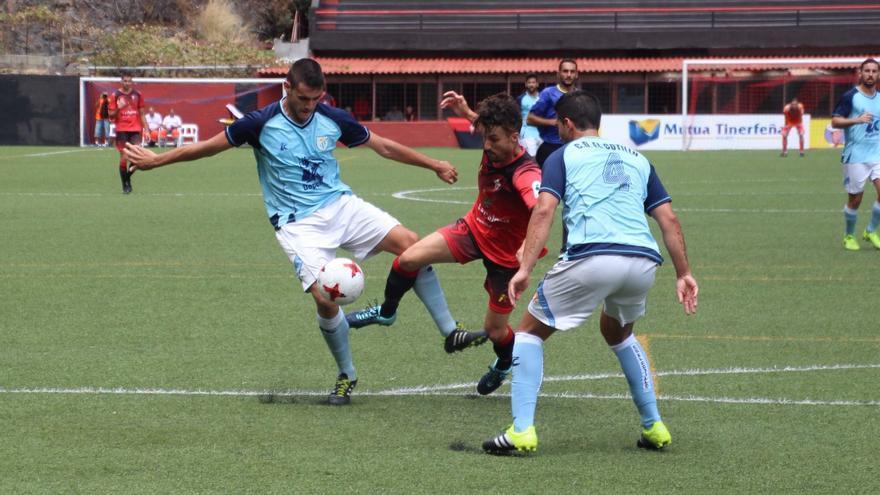El Mensajero derrotó a El Cotillo (2-0) en el Silvestre Carrillo. Foto: JOSÉ AYUT.