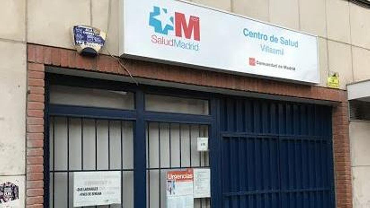 El Centro de Salud de Villaamil cerrado