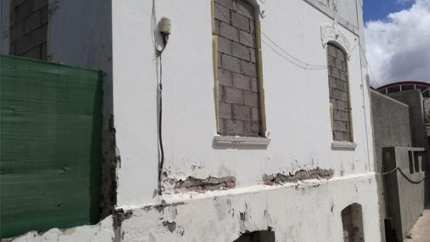Ventanas de la casa tapiadas. (Belén Molina).