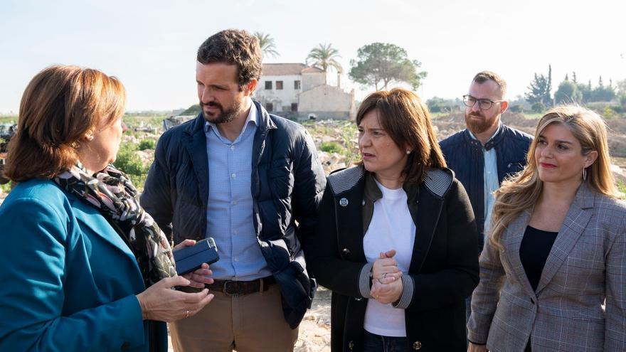Archivo - El presidente del PP, Pablo Casado, y la presidenta del PP en la Comunidad Valenciana, Isabel Bonig.