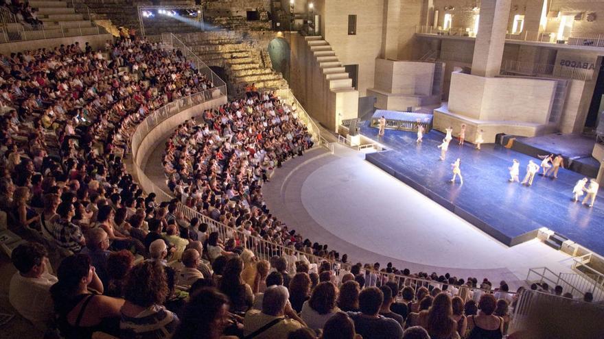 Una representación del festival Sagunt a Escena en el Teatro Romano