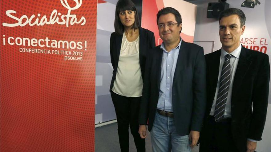 Una veintena de ex miembros de IU, inscritos en la conferencia del PSOE