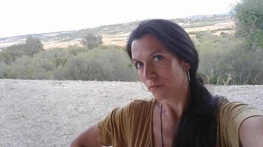 Carlota Gurt va guanyar el 2019 el Premi Mercè Rodoreda amb el seu llibre de relats Cavalcarem tota la nit (Proa).