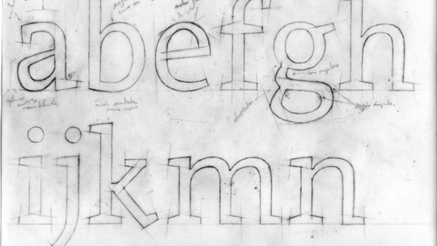 Nadie puede diseñar una tipografía si no ha dibujado unas cuantas letras a mano primero