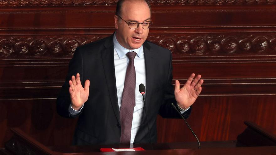 El primer ministro tunecino, Elyes Fakhfakh, niega las acusaciones de corrupción y dice que no dimitirá.