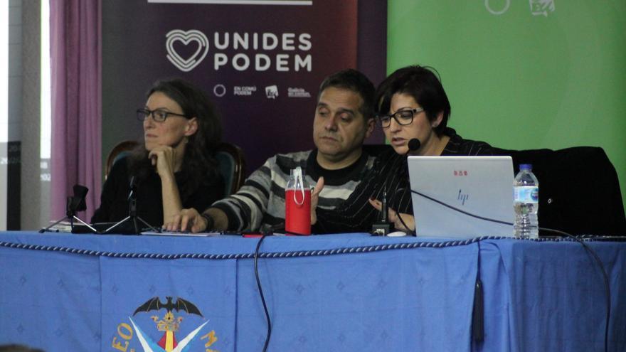 Maria Oliver, Amadeu Sanchis y Estefanía Blanes, de Unidas Podemos, en un acto sobre el Puerto Valencia.