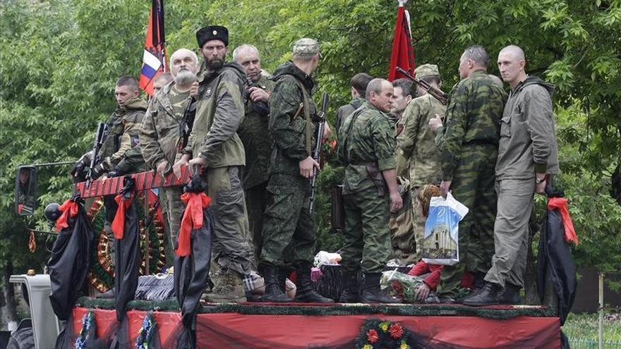 """Alemania afirma que """"todos los días"""" se viola el alto el fuego en el este de Ucrania"""