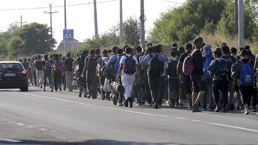 Orbán dice que detrás de los ataques a Hungría está la inmigración