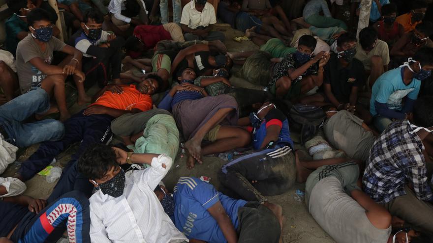 Casi 300 refugiados rohinyás desembarcan en Indonesia tras meses en alta mar