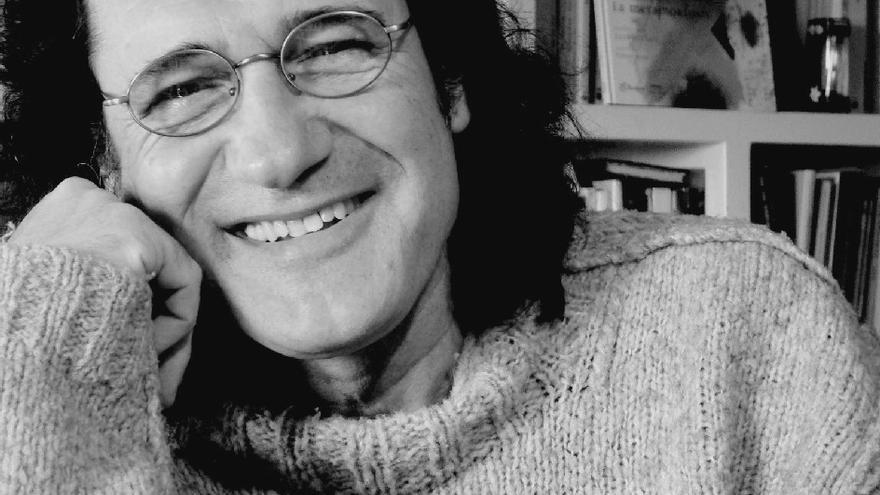 El novelista, periodista y poeta, Alfons Cervera