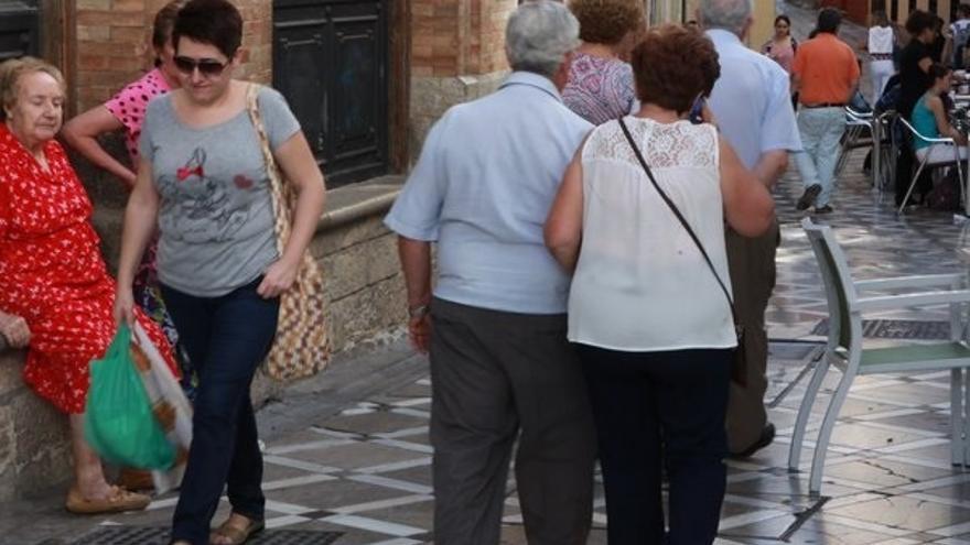 """UGT inicia una campaña reivindicativa de las pensiones y alerta de que el fondo, """"a este ritmo, se agotará en 2017"""""""