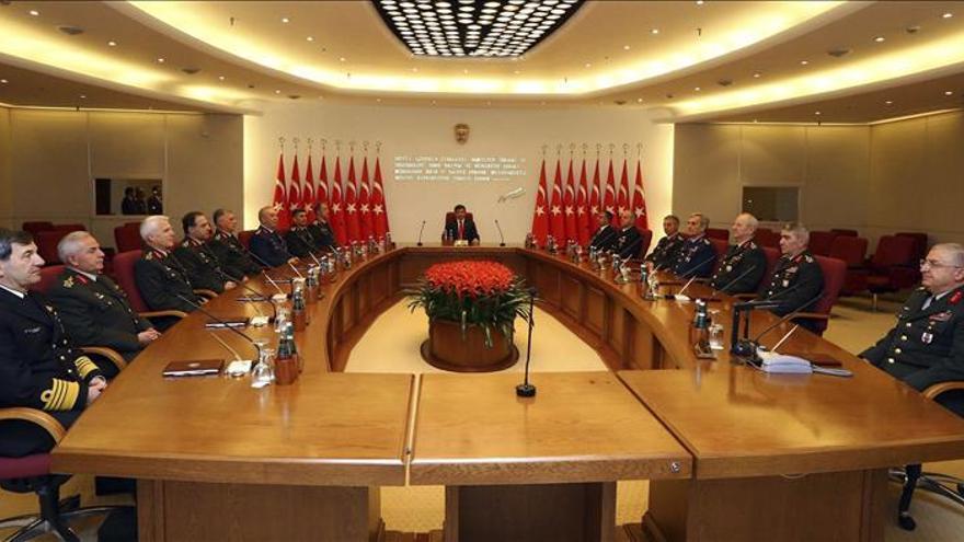 El primer ministro turco dice que trabajará con los aliados para rebajar la tensión