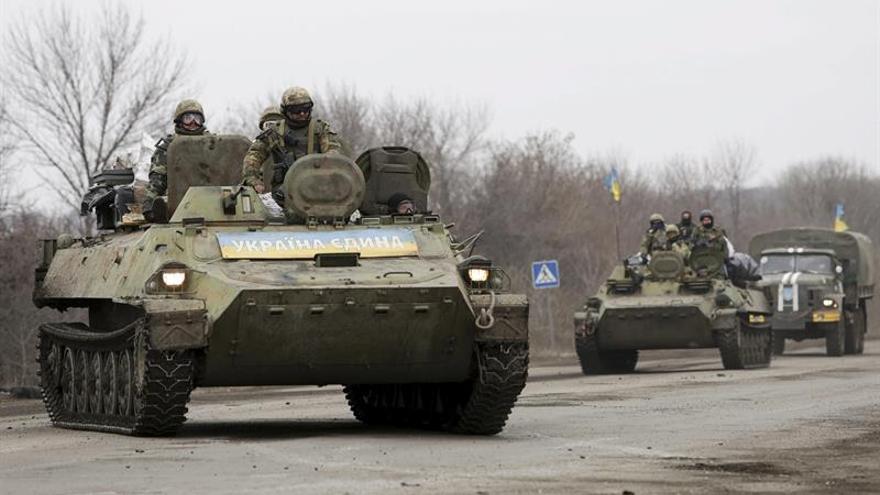 Al menos un militar muerto y tres heridos en combate en el este de Ucrania