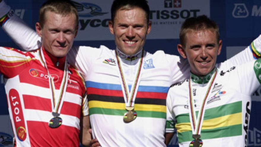 Hushovd celebra su triunfo en el podio. (EUROPA PRESS)