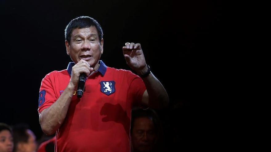 Duterte y comunistas establecen acuerdo marco para iniciar diálogo de paz