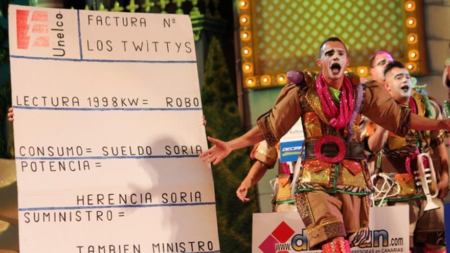 Actuación de 'Los Twittys' en la final de murgas 2015. FOTO: Cirenia Vico.