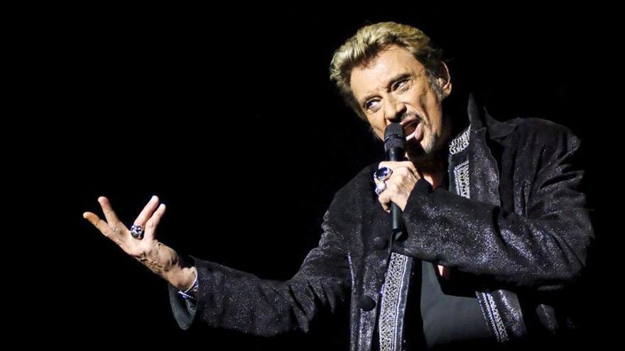 """Johnny Hallyday lanza su disco número 49, """"Rester vivant"""", a los 71 años"""