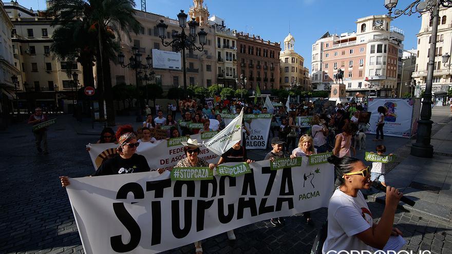 Protesta de Pacma contra la caza | ÁLEX GALLEGOS