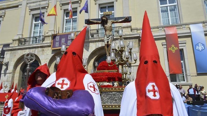 La procesión del Indulto se celebra sin preso y acatando la memoria histórica