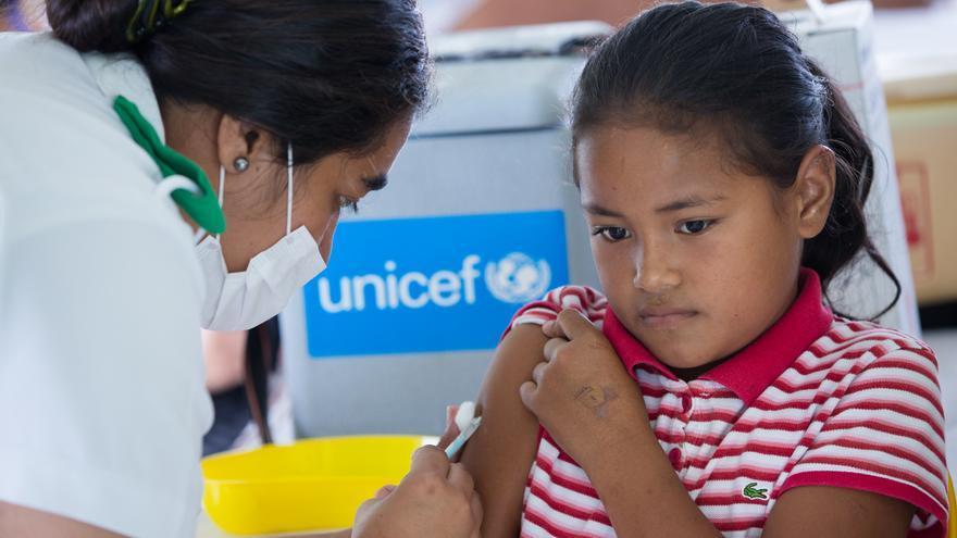 Campaña de vacunación de Unicef contra el sarampión en Samoa