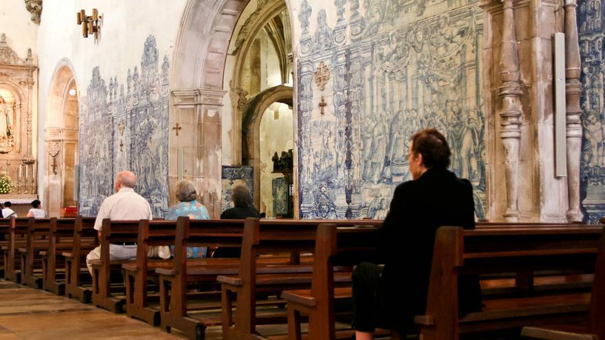 Azulejos en el interior de la Iglesia de O Carmo, en Coímbra.