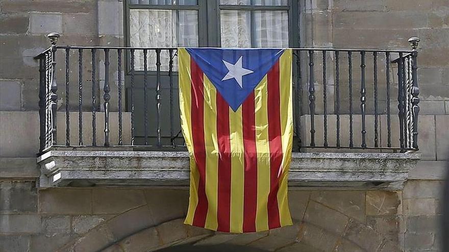 La Junta Electoral de Lleida ordena retirar 'estelades' de municipios de la zona