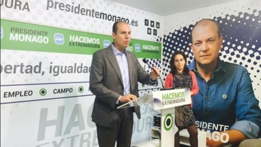 La sede del PP de Extremadura ha cambiado su color corporativo azul por el de 'Hacemos' / Twitter @HacemosExt