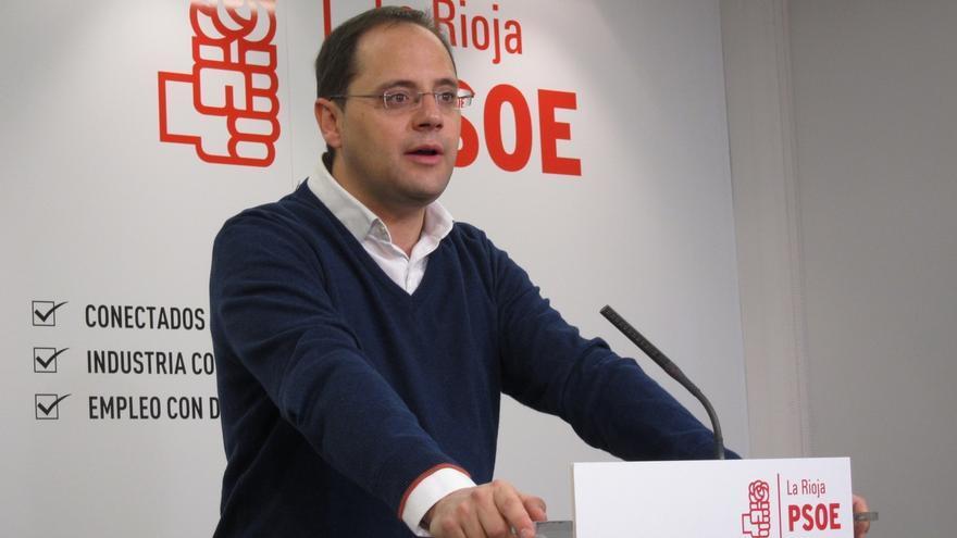 """Luena exige a Rajoy """"que no se esconda ni mande emisarios"""" de cara a los futuros debates de las elecciones"""