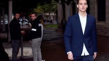 """El youtuber conocido como 'Mr. Granbomba', a su llegada el pasado 23 de febrero a los juzgados para la vista del juicio por el caso """"caranchoa""""."""