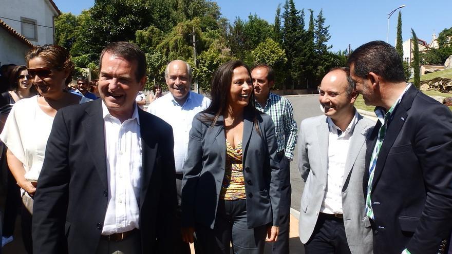 Caballero y Bravo Bosch, visitando unas obras con otros cargos / Concello de Vigo