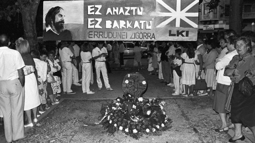 Homenaje de las peñas de Pamplona a Germán el 8 de julio de 1988.