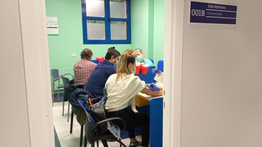 Archivo - Cribado de Euskadi para detectar casos de coronavirus no diagnosticados