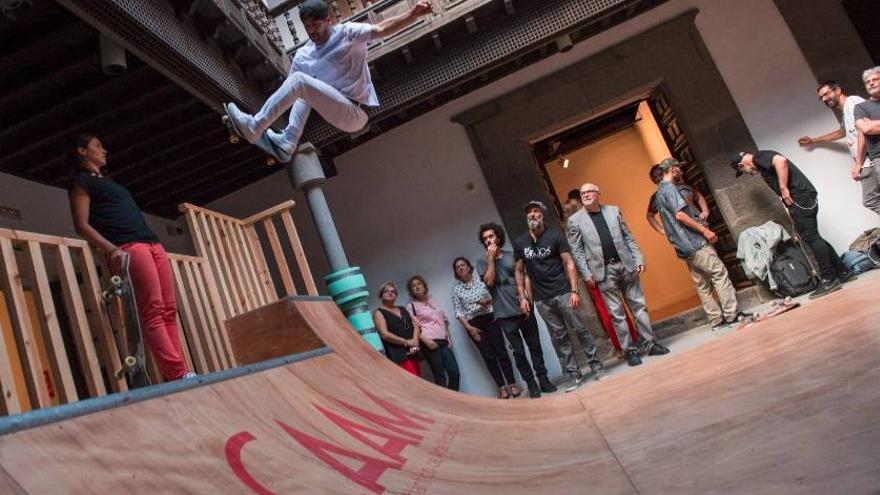 Exposición 'Skaters Versus Minimalismo', de Shaun Gladwell'.