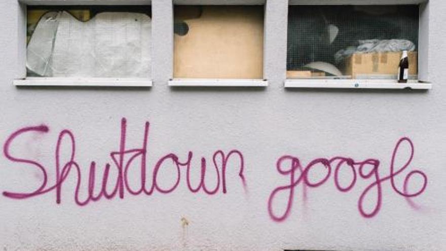 Pintadas contra la implantación de un campus de Google en un barrio de Berlín.