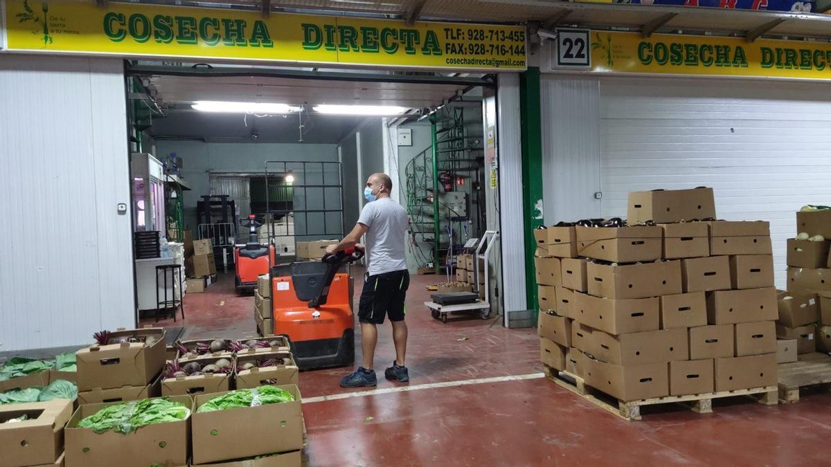 Recogida de alimentos en el almacén de la cooperativa de Cosecha Directa.